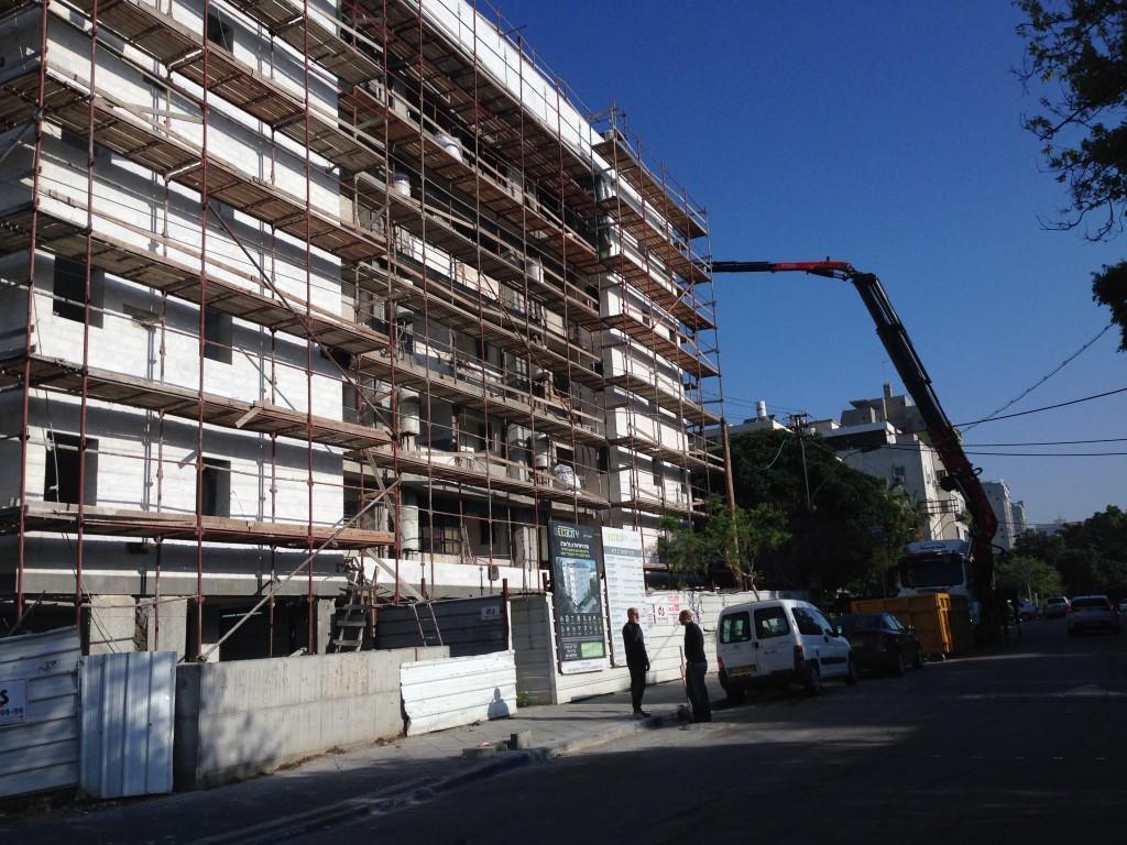 """פרויקט שיפוץ מתוקף תמ""""א 38, תל אביב (צילום: המעבדה לעיצוב עירוני)"""