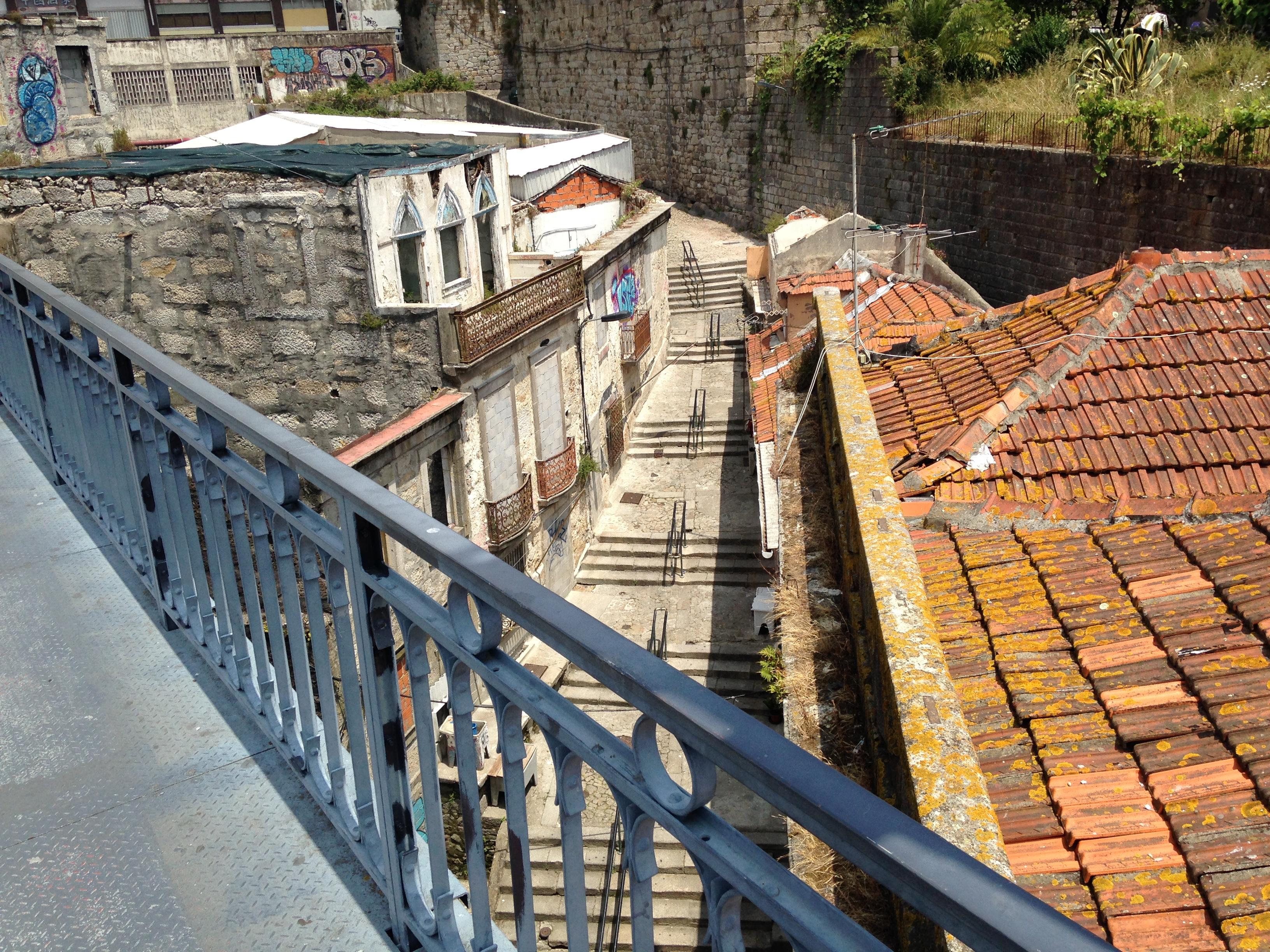 לבחור בין הגרוע לגרוע ביותר. הגשר בפורטו (צילום: יואב מאירי)