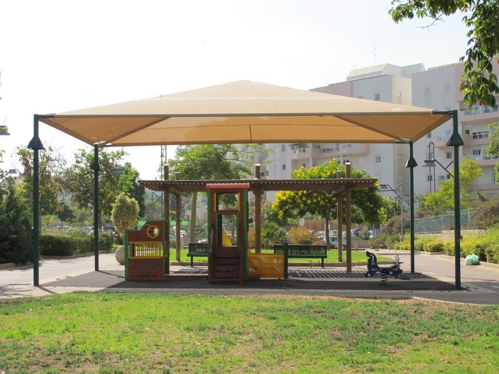 """מתקני משחק בשצ""""פ, שכונת נאום אשלים, ראשון לציון (צילום: המעדבה לעיצוב עירוני)"""