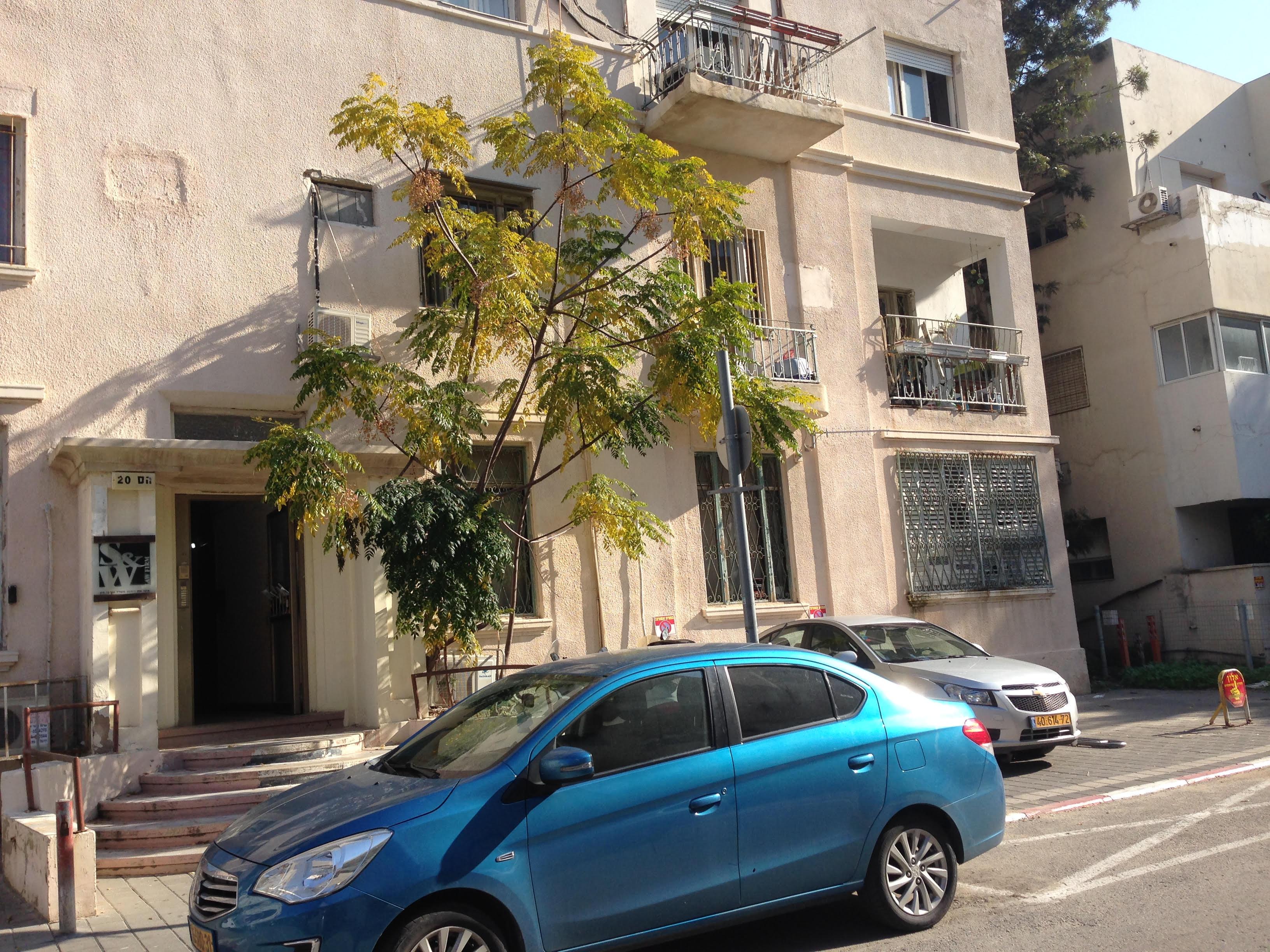 משרד עורכי דין בבניין מגורים, תל אביב. אילוסטרציה (צילום: המעבדה לעיצוב עירוני)