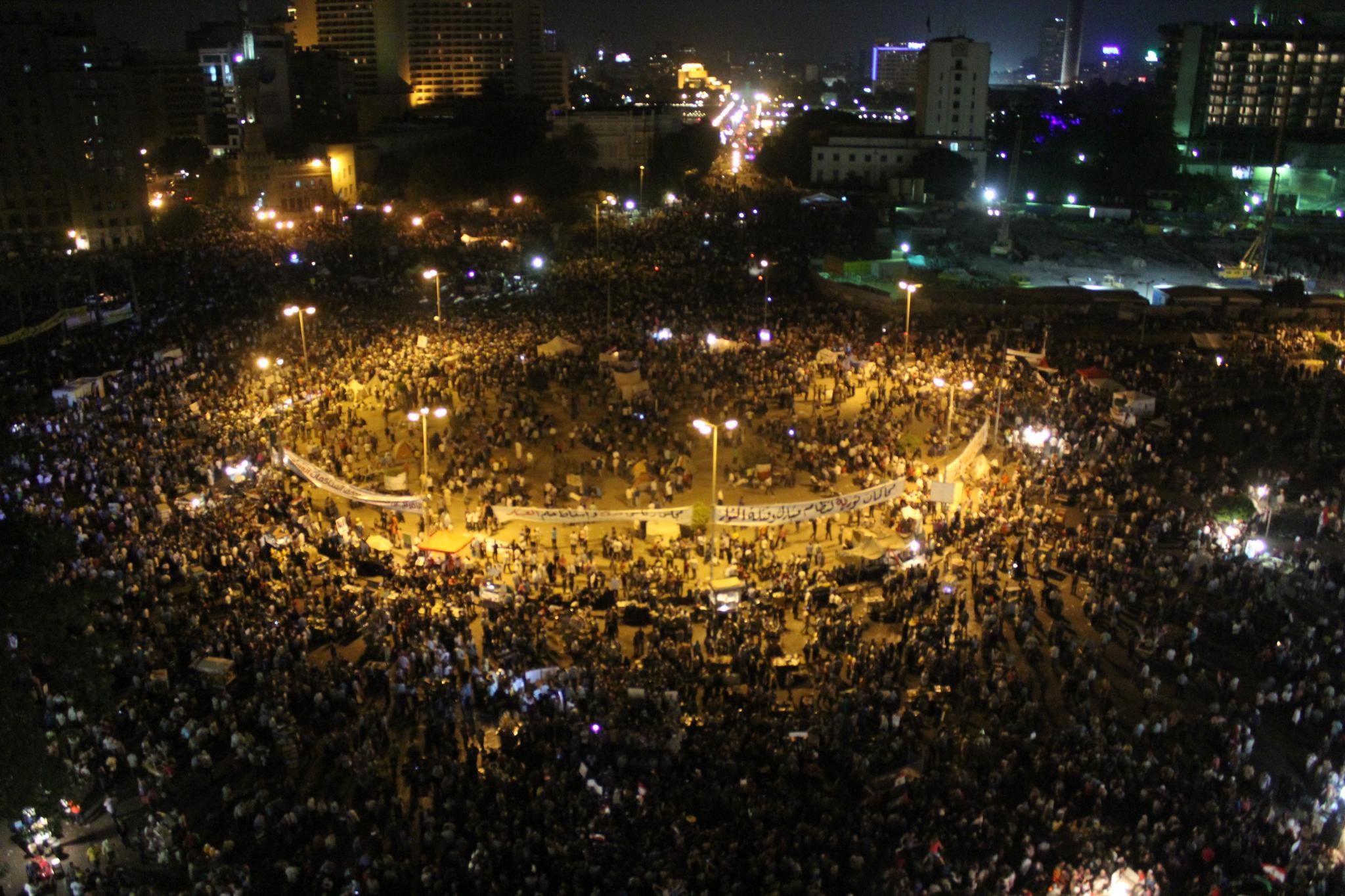שינוי אמיתי או תיקונים קוסמטיים? מפגינים בכיכר תחריר בקהיר, 2012 (צילום: Gigi Ibrahim, flickr)