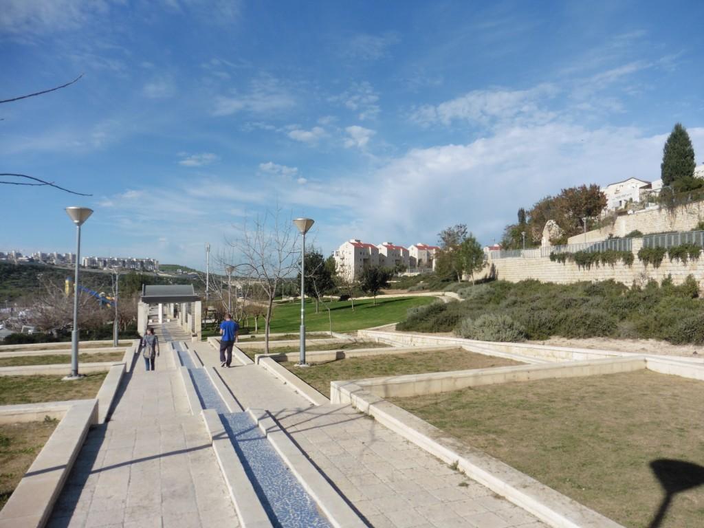 ״מגיעים אנשים מאוד שונים ומרגישים שאותו מקום שייך גם להם״, פארק איילון רמת בית שמש, תכנון: ברוידא מעוז (צילום: המעבדה לעיצוב עירוני)