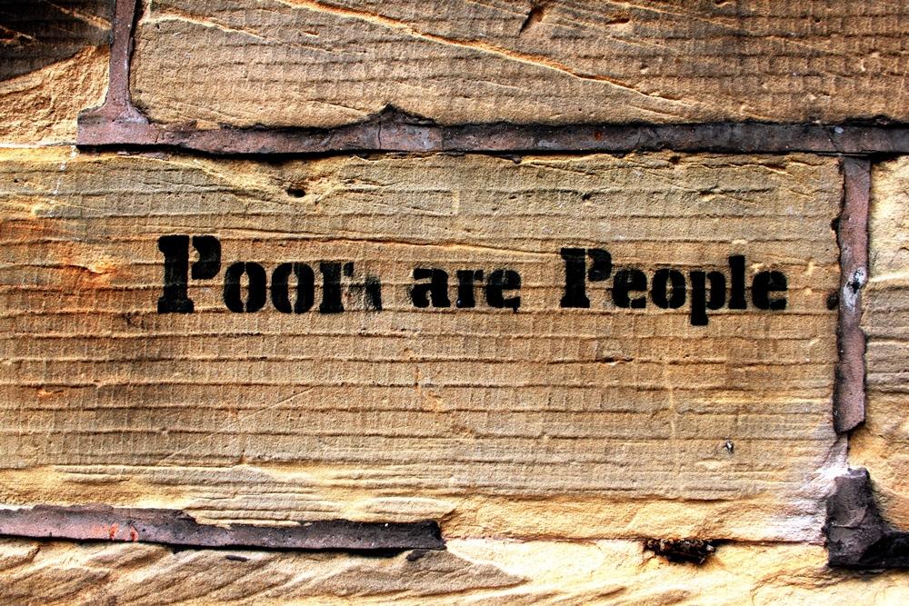 במחקרה היא מנסה לברר כיצד נהפכים האנשים בעוני בעייני יתר החברה ל'אחר', לנחותים ונשכחת האנושיות שלהם (צילום: Karen Flicker.com)