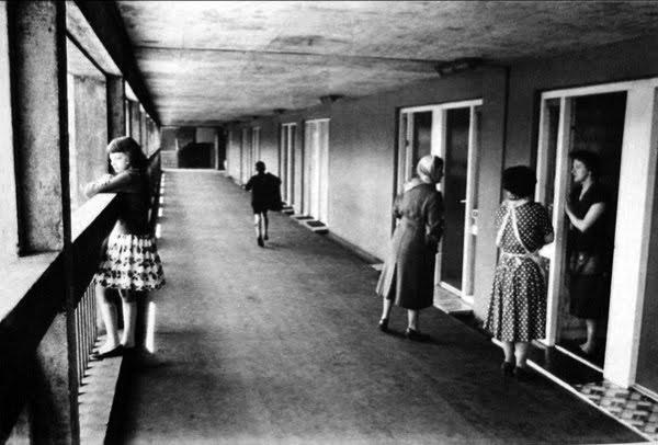 פרוזדור בשיכון, Park Hill Estate, Sheffield 1956