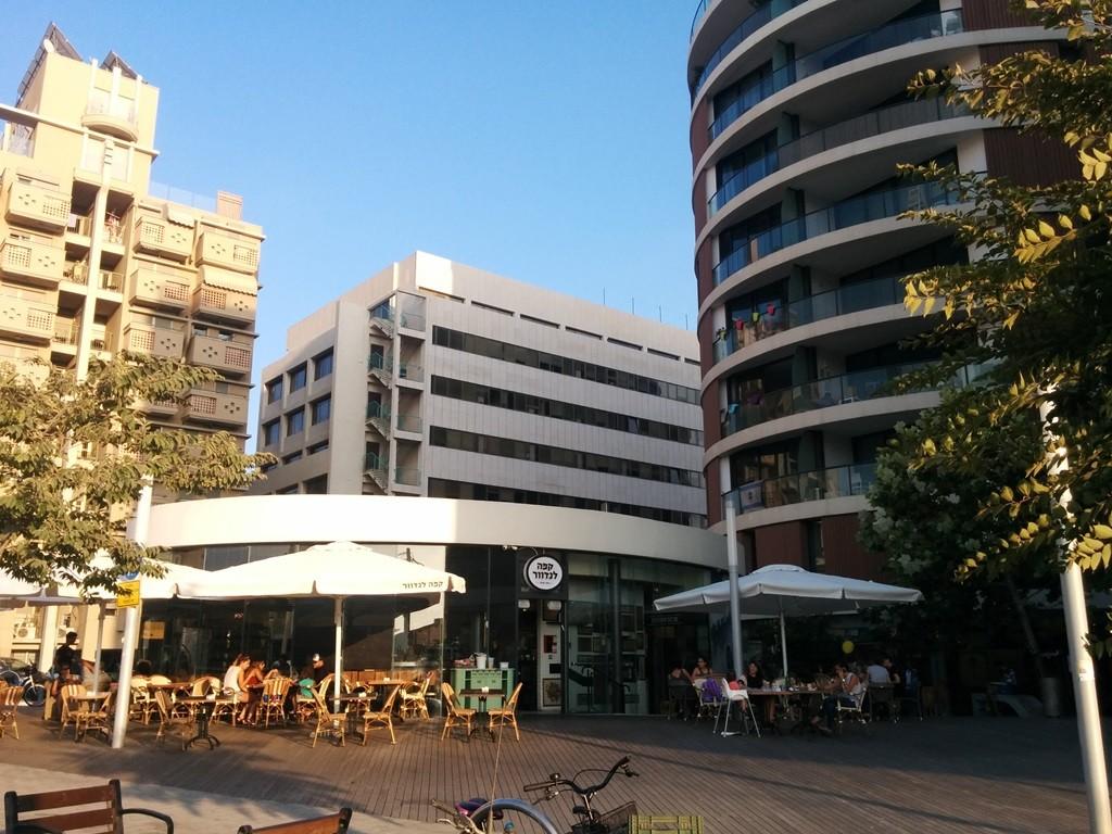 כבר משנת 2000 עיריית תל אביב מספקת כלים שמטרתם התחדשות עירונית בדרום תל אביב, זכויות בניה, הקלות במיסוי ועוד, רבעיית פלורנטין (צילום: המעבדה לעיצוב עירוני)