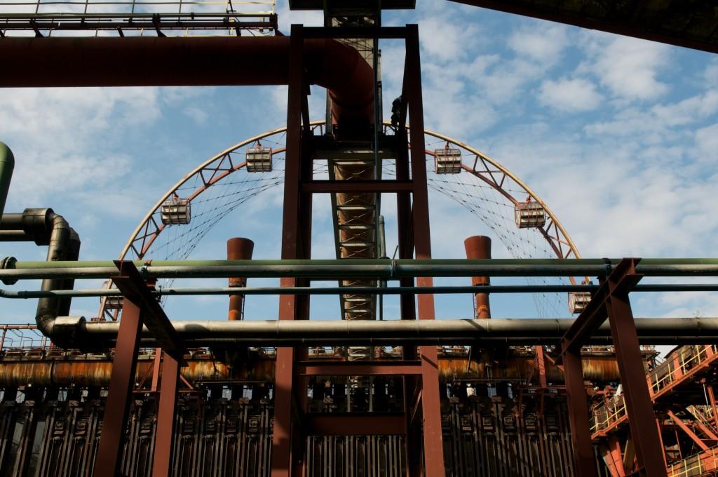 גלגל ענק שהוקם באזור התעשייה, מופעל על ידי אנרגיה סולארית, פארק זולברין (צילום: Dustpuppy72 Flickr.com)