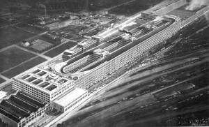 Fiat Lingotto factory in 1928 (צילום: 準建築人手札網站 Forgemind ArchiMedia, Flickr)