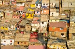 לואנדה, אנגולה, מבט מבניין רב קומות. באדיבות שירי פעמוני אשל (מתוך התערוכה)