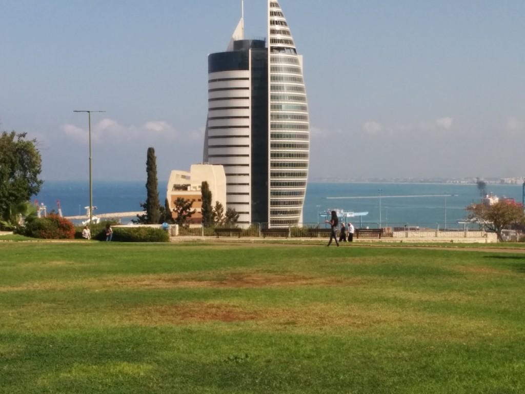 חיפה ונתניה מצהירות על עצמן ערים חכמות אך נראה כי במדד זה הם רחוקות מן התואר, חיפה (צילום: המעבדה לעיצוב עירוני)
