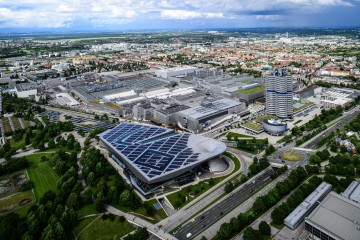 BMW Plant, Munich - Laura Hoffmann, CC BY 2.0 (www.bbx.de) (1)