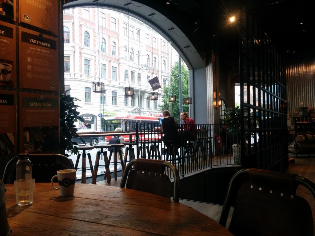 בית קפה בשטוקהולם, דמיון מובהק לסטארבקס בעיצוב המקום והמוצרים