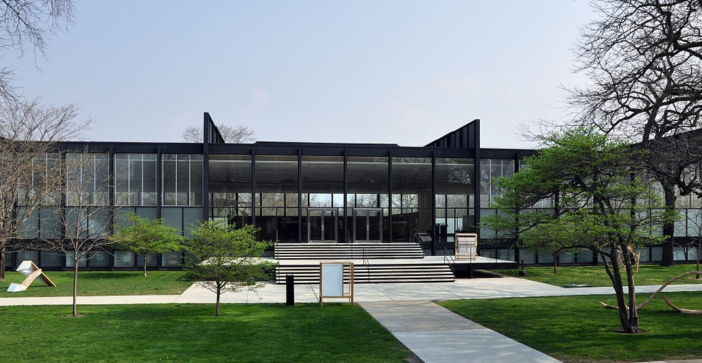 S. R. Crown Hall at Illinois Institute of Technology in Chicago, USA. (צילום: Joe Ravi, Wikimedia)