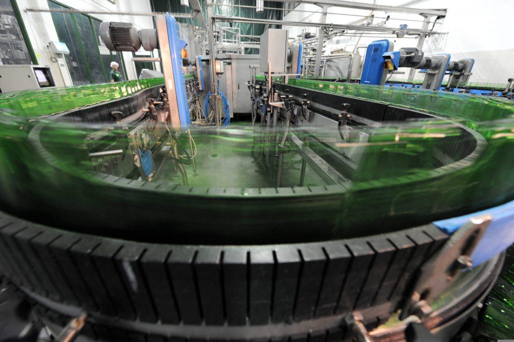 מפעל קרלסברג באשקלון (צילום: משה מילנר, ארכיון לעם)