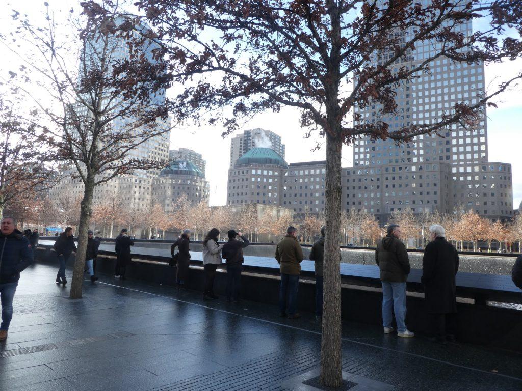 האנדרטה לזכר אירועי ה11 בספטמבר היא דוגמא לאתר של הנצחה במרחב בהעירוני (צילום: המעבדה לעיצוב עירוני)