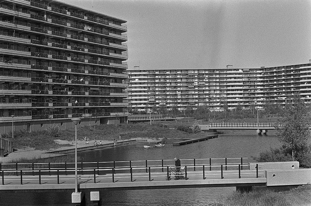 1973 - בילמר בשנת 1973, מקום חי ופעיל (צילום: Hans Peters / Anefo Wikimedia)