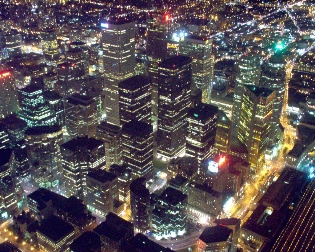 גובה הבניינים במרכז העיר טורנטו לעומת גובה הבניינים בפאתי המרכז (צילום:Scott Wilkinson, Wikimedia)