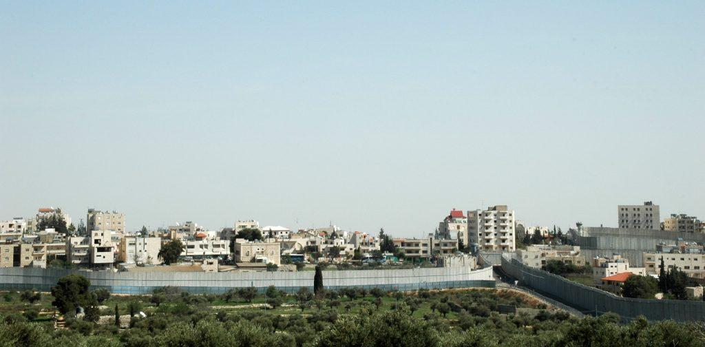 """הבית הפלסטיני אשר נבחן דרך הפרספקטיבה של """"משטר הדיור"""" מציג את הבית כרכיב בתוך המדיניות הישראלית של ניהול המרחב והאוכלוסייה (צילום: יובל הידש)"""