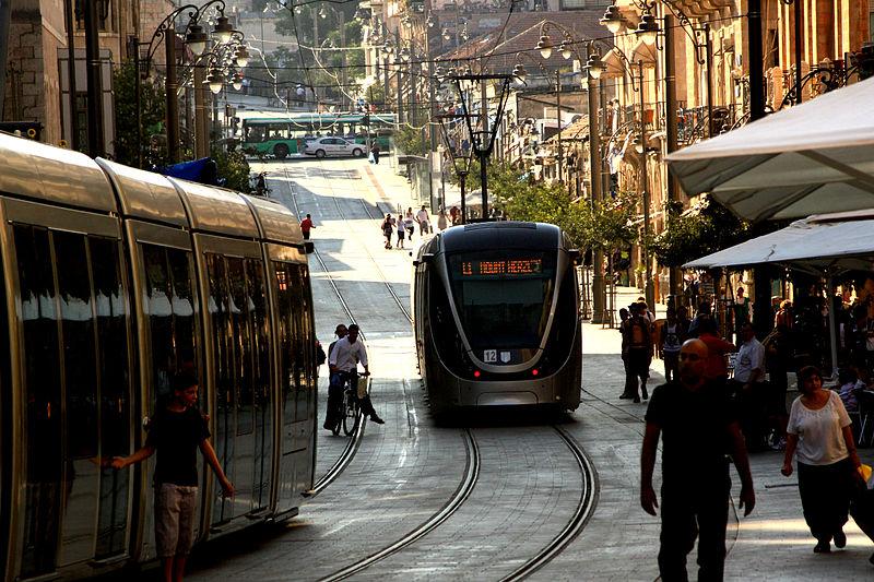 800px-Jerusalem_New_Light_Rail_on_Jaffa_st._-_July_11th,_2011_-_Israel
