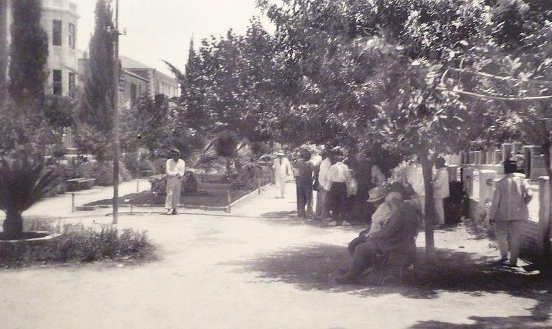 800px-Rothschild_Boulevard,_1926_-_detail_P1080425