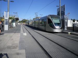 https://commons.wikimedia.org/wiki/File:Jerusalem_Light_Rail_15.jpg