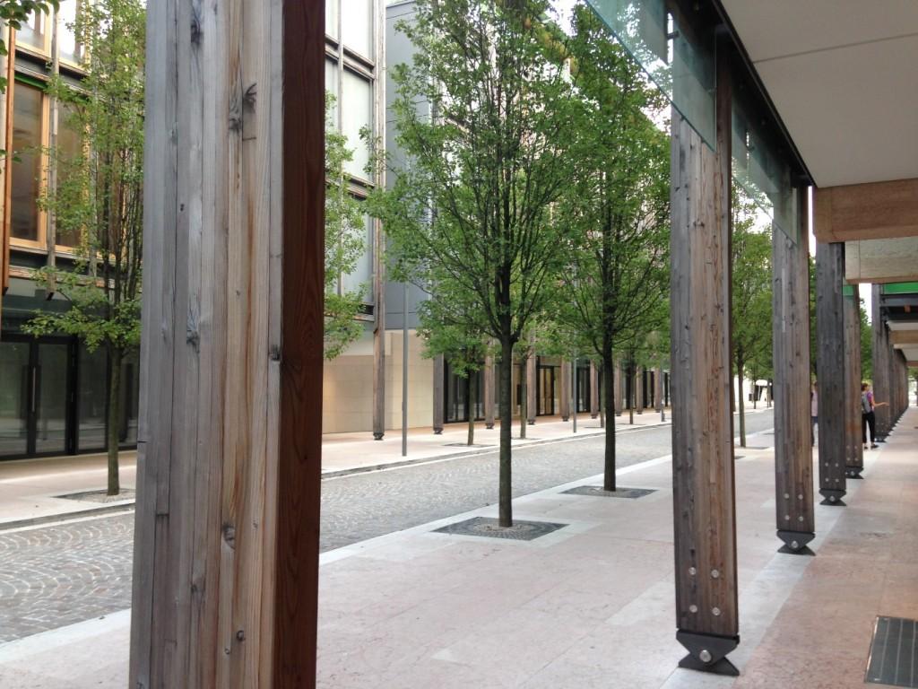 חתך הרחוב - קנה מידה אנושי (צילום: טלי חתוקה)