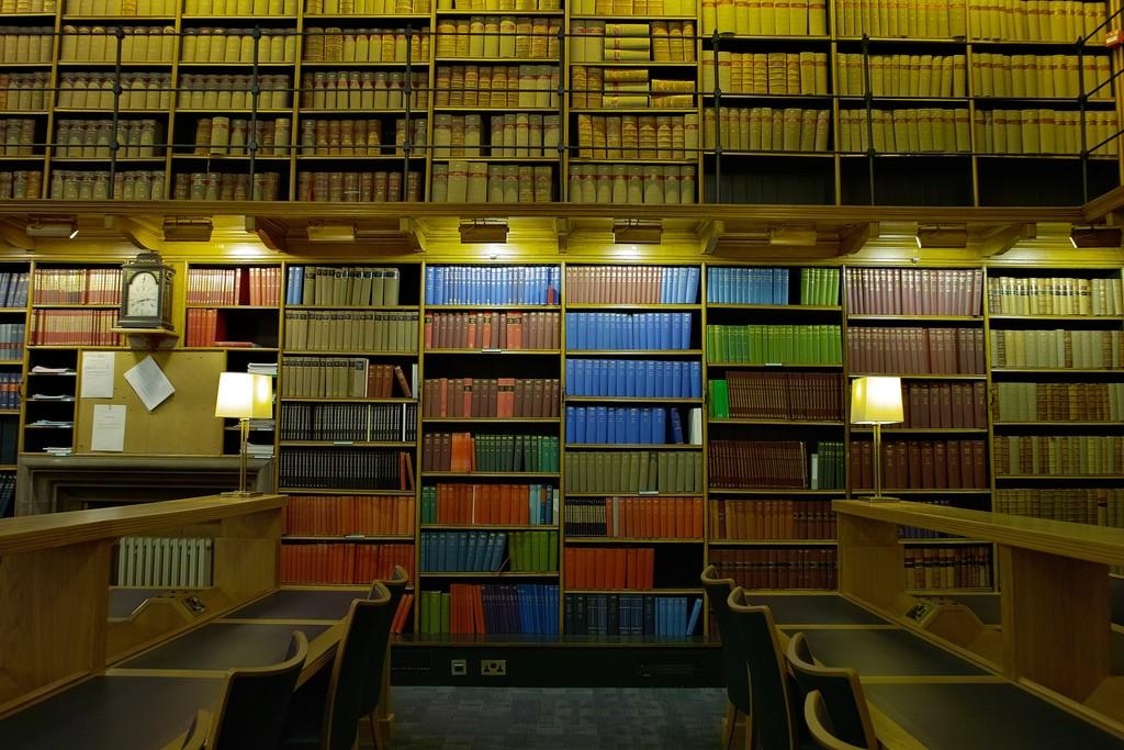 ככה בדרך כלל נראות ספריות (צילום:  Boon Low אתר flickr)