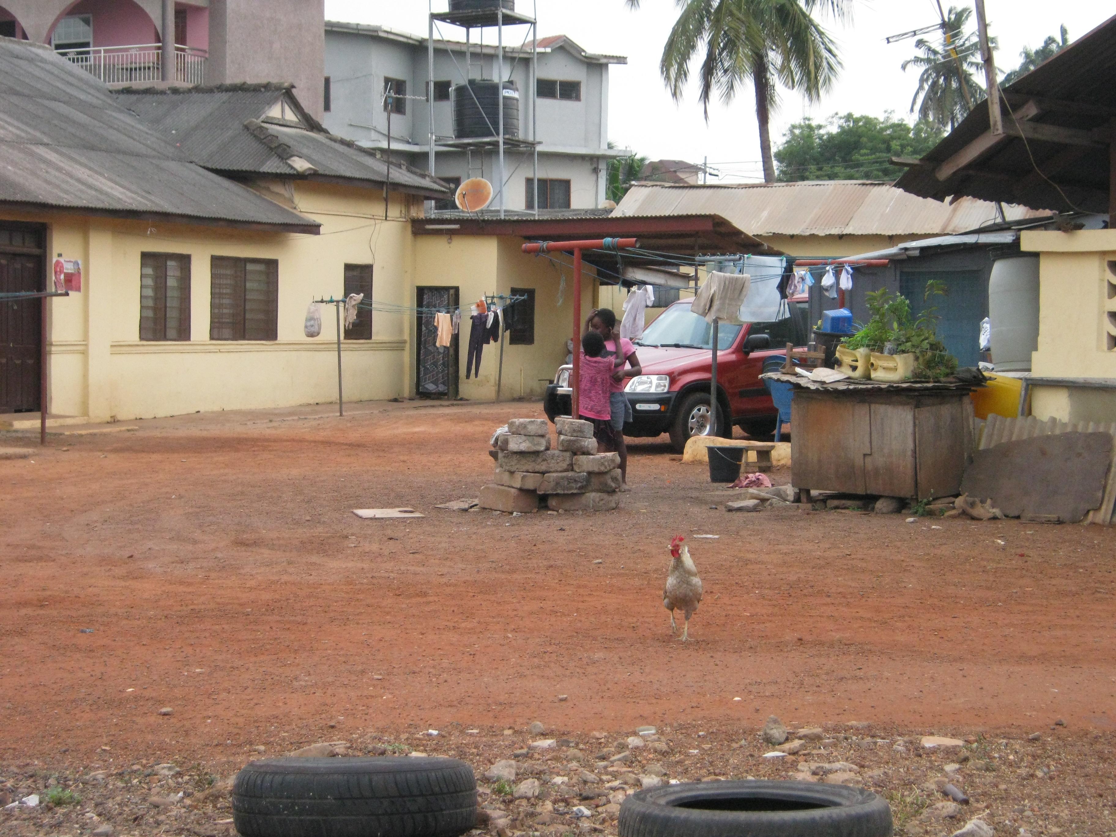 מרקם עירוני חי. מסע במרחב העירוני של גאנה (צילום: מורן פרארו)