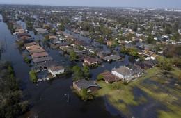 ניו אורלינס, ארבעה ימים אחרי פגיעת הוריקן קתרינה, 2005 (צילום: Gary Nichols)