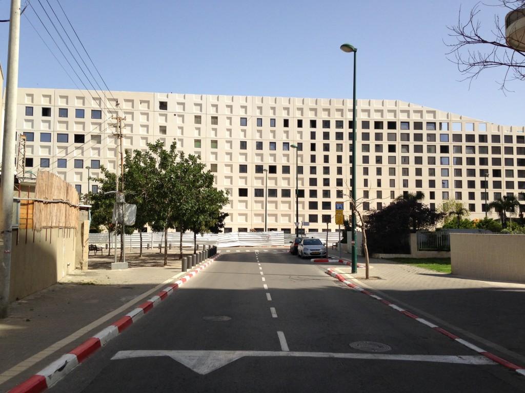 מבנה המשרדים של בר אוריין בקיבוץ גלויות, תל אביב (צילום: המעבדה לעיצוב עירוני)