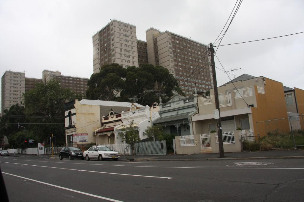 """""""דירות משפחה"""", מלבורן, אוסטרליה (צילום: איריס לוין)"""