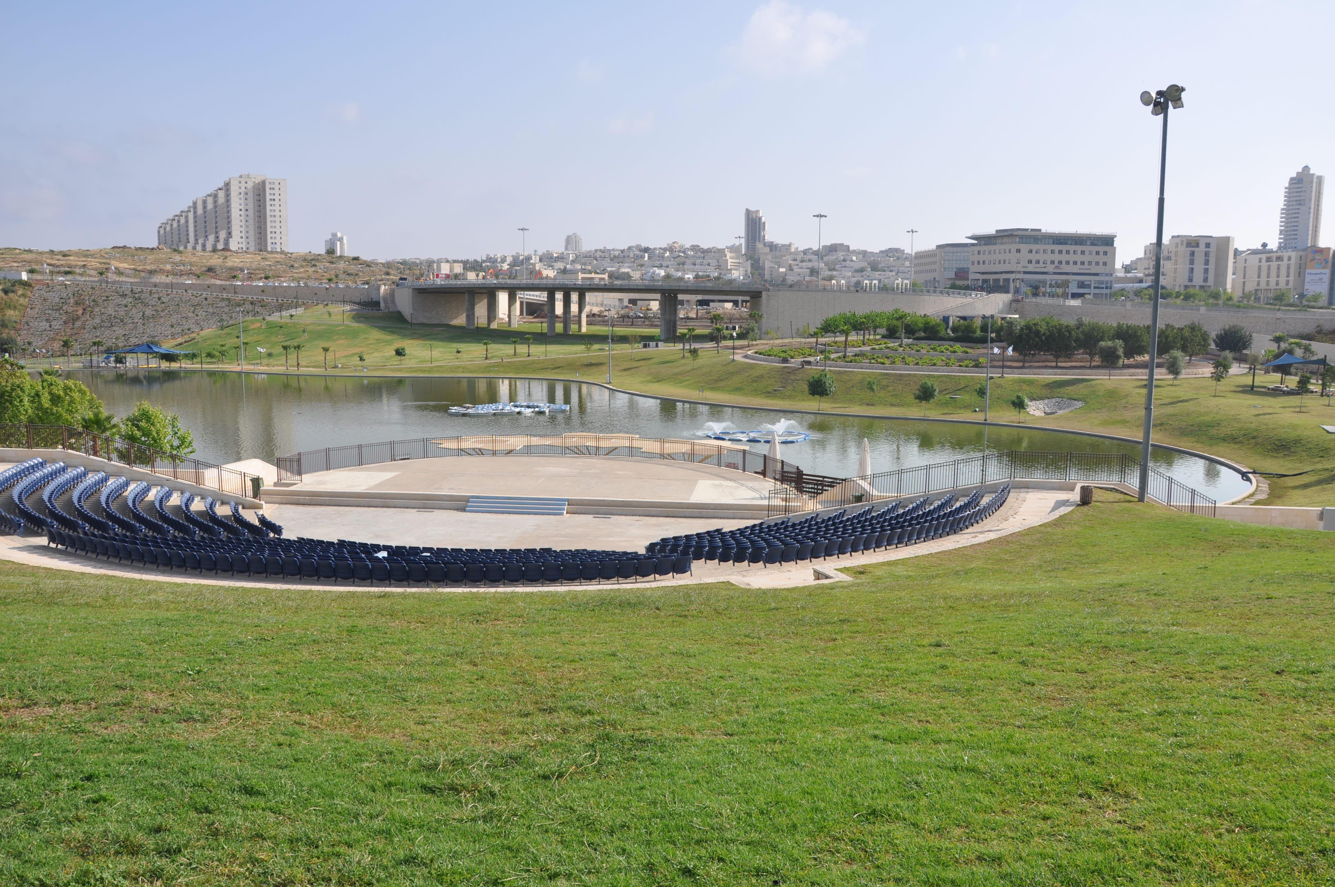 הפארק כמוקד מרכזי בעיר. פארק ענבה במודיעין (צילום: המעבדה לעיצוב עירוני)