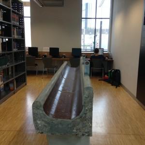 מיקמו של האבוס בספרייה (צילום: טלי חתוקה)