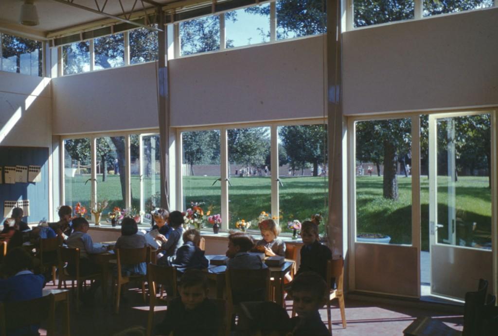 שימוש בתאורה טבעית, בית ספר יסודי , 1949 Hertfordshire, St Albans