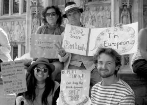 הפגנה בלונדון נגד הפרישה מהאיחוד האירופי (צילום: mazz_5 Flicker.com)
