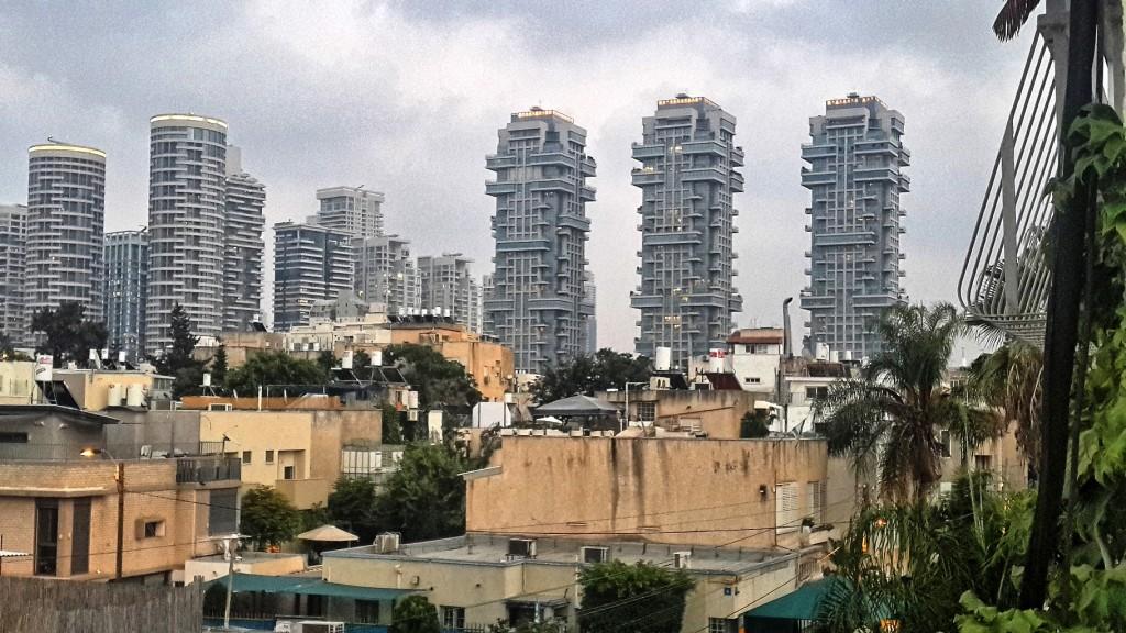 ההפרדה במגורים בין עשירים לענים גדלה העיר תל אביב. ממצא לא מפתיע עבור מי שמביט בקו הרקיע הצומח של תל אביב. (צילום: פיקוויקי שאולה הייטנר)