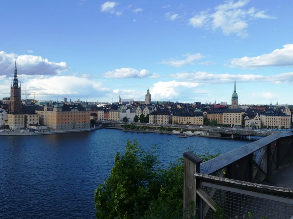 קשה לומר מהו המימד הייחודי של שטוקהולם, אולי המים שחוצים את העיר ומייצרים גשרים רבים שהפכו לאחד מסמליה של העיר