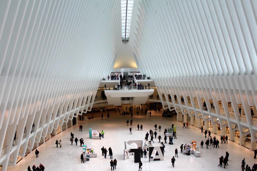 התחנה החדשה בגראונד זירו בניו יורק בתכנונו של קלטרבה, טביעת אצבע ייחודית. הבניית התחנה עלתה 4 ביליון דולר שהופכים אותה ליקרה ביותר בניו יורקץ ( צילום: Wally Gobetz flickr)