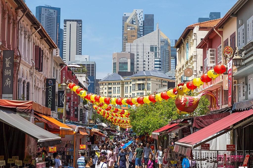 צ'ינה טאון סינגפור, המששלה חוששת מהיווצרות מובלעות אתניות ולכן יצרה מדיניות של עירוב אתני (צילום: Marco Verch, Wikimedia)