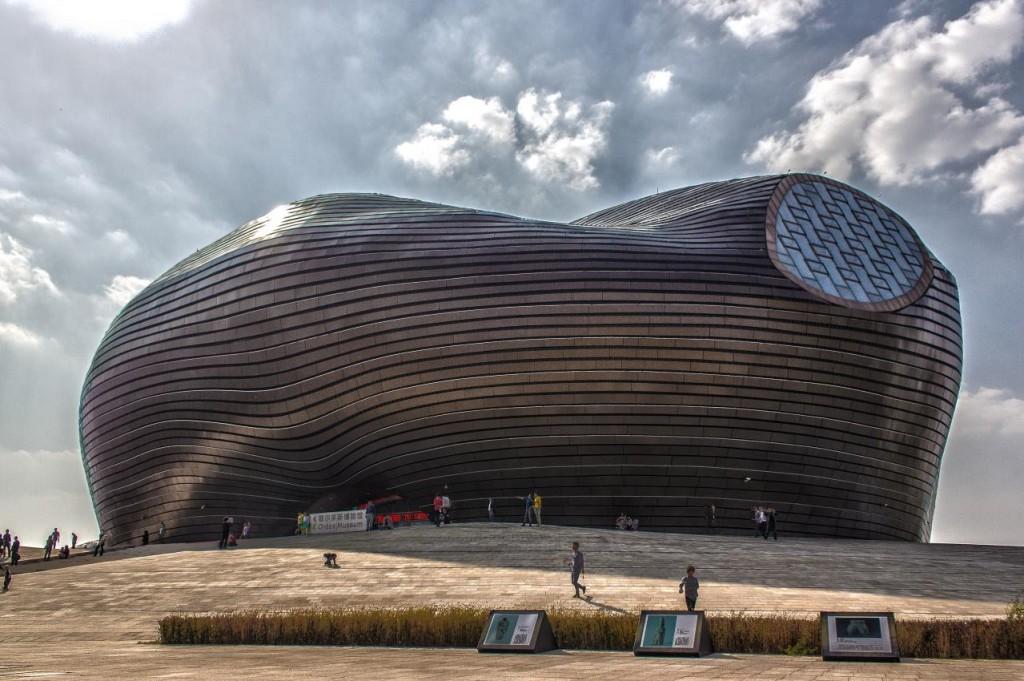 מוזיאון ניו-אורדוס בתכנון: MAD Architects במונגוליה הפנימית (צילום: Robert James Hughes flickr)