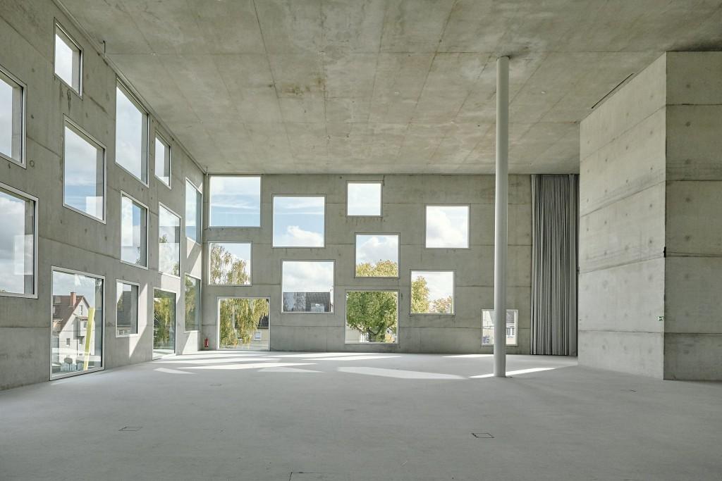 צולפריין מבט מבפנים,הדגם הרנדומלי שמכסה את המעטפת בהכרח חייב לעמוד בסתירה מוחלטת לחלקיו הפנימיים של הבניין (צילום: August Fischer Flickr)