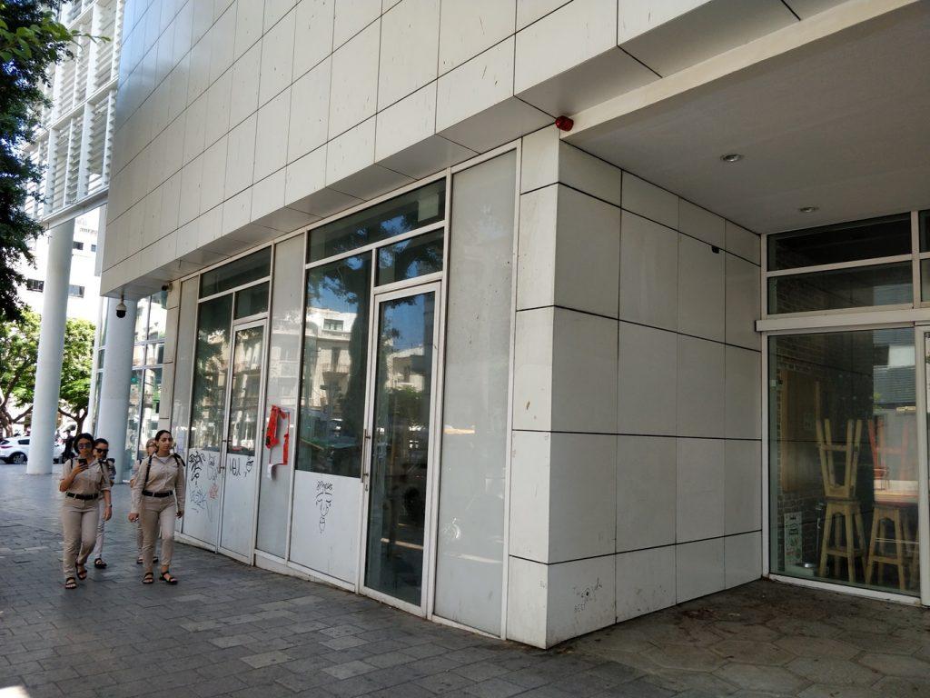 שוק רוטשילד-אלנבי הסגור, כישלון מהיר, יוני 2018 (צילום: המעבדה לעיצוב עירוני)